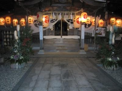 夜の神社風景