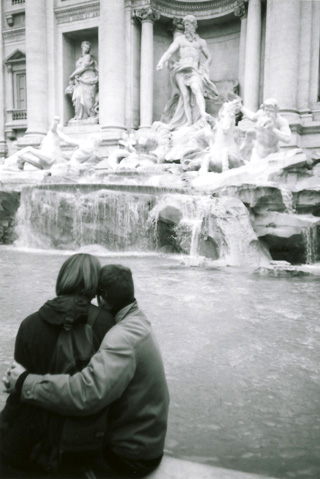 トレビの泉のカップル