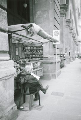 フィレンツェ街角の古本屋のおじさん