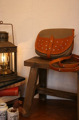 New Item* Saddle bag.