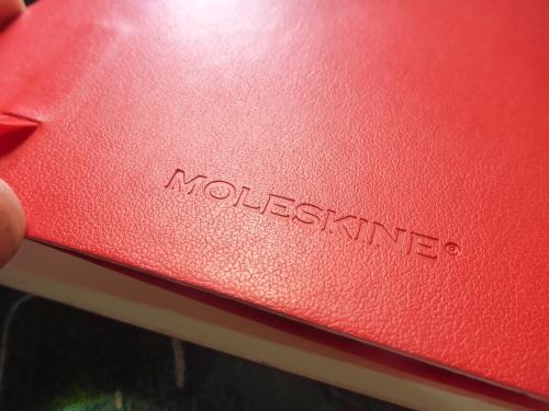 モレスキンの赤いメモ帳
