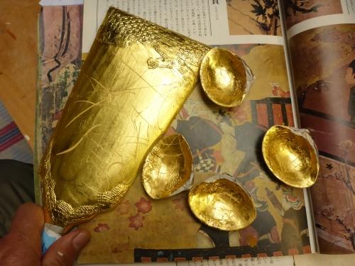 「寛永の華」に使う羽子板と貝合わせの下地