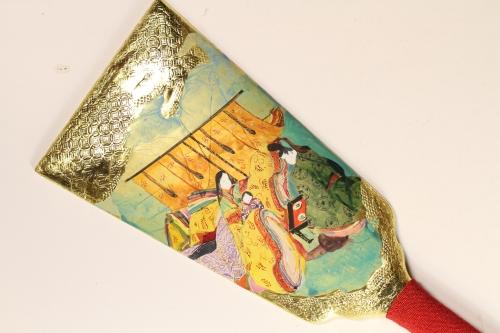 みかわ工房の金箔仕上げの羽子板「紫式部日記」