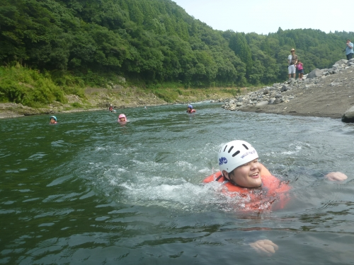 大野川での水遊び