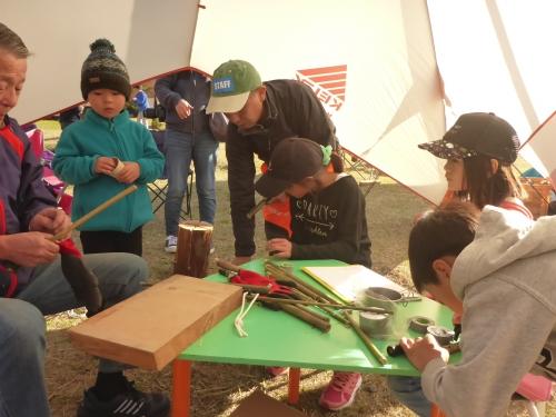 竹鉄砲作り風景