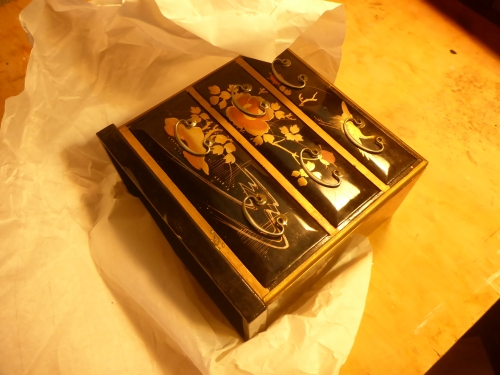 大正時代の雛道具がみかわ工房に届きました。