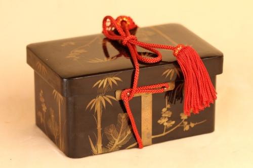 江戸小箱に3組の貝合わせ