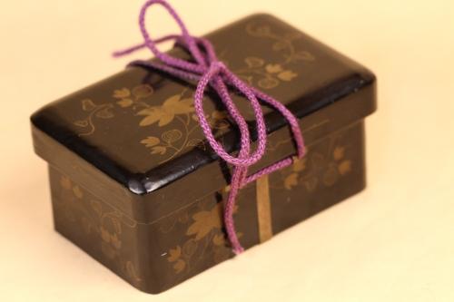 テッセンの蒔絵が美しい江戸の小箱