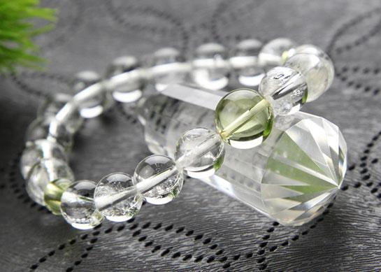 数珠ブレスレット、琥珀