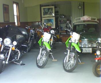 現在6台のバイク