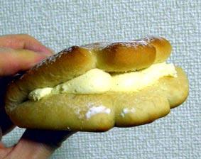 伝説のクリームパン