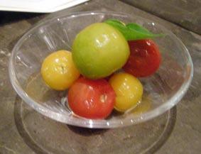 3種類のトマトのピクルス