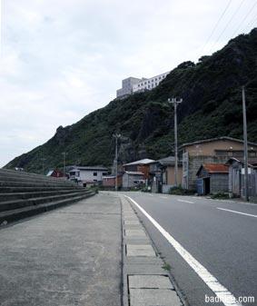港前の道路