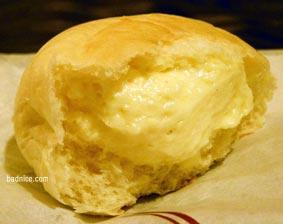 もりもとクリームあんパン断面