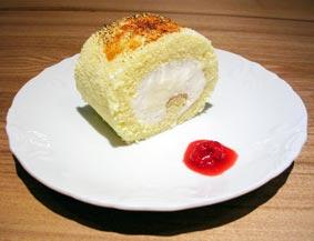 椿ロールケーキ