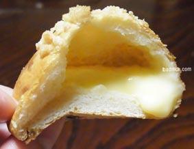 焼き立てクリームパン断面