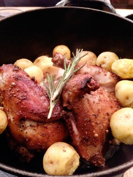南部鉄器で鶏焼き