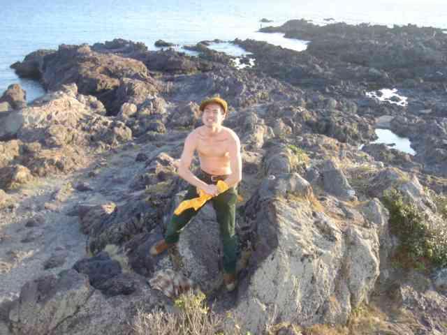 日本列島最南端 上半身裸で吼えるゲイのしんじ