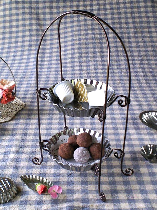 ワイヤークラフトレシピ「マドレーヌ型のアフタヌーンティースタンド」