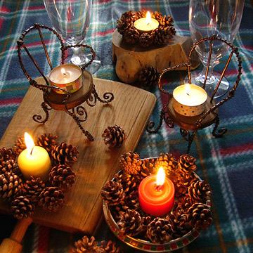 ワイヤー輪切りチェアーのクリスマステーブルコーデ
