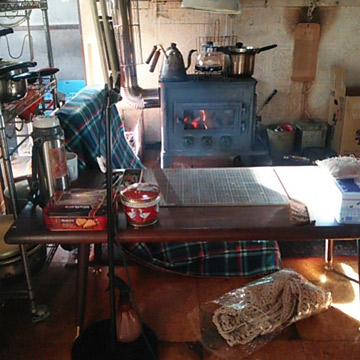 冬の作業テーブル