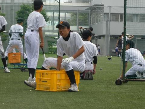 球出しも大事な練習です(伊藤).JPG