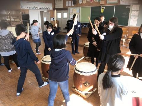 神楽太鼓を   習いました.JPG