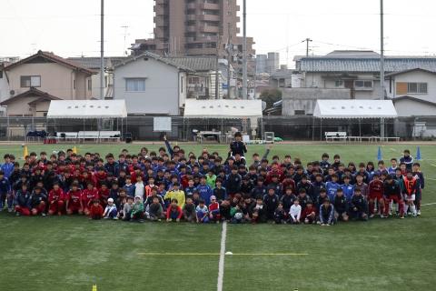 5校の選手とスタッフで集合写真.JPG