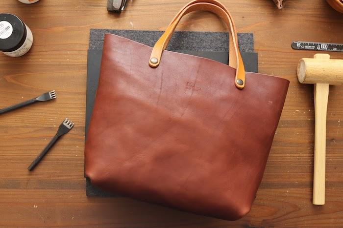 手縫のトートバッグ