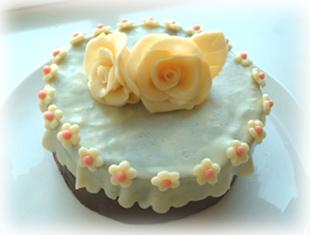 チョコレートデコレーションケーキ