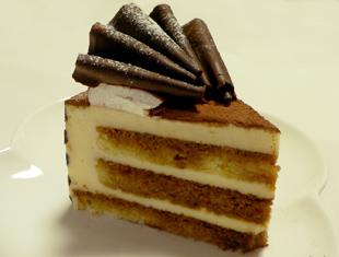 だんなさんの誕生日ケーキ・カット