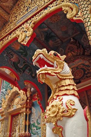 チェンコーンのお寺