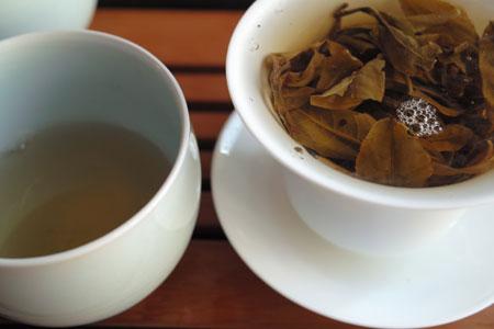 賀開村古茶樹の散茶2012年
