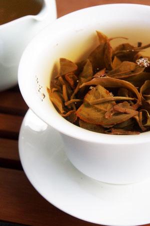 賀開村古茶樹の散茶2012年プーアル茶