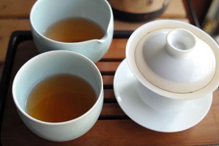 易武刮風寨陳香餅05年プーアル茶