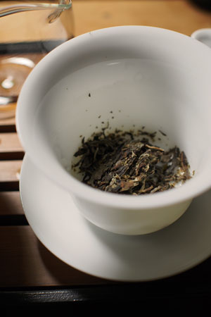 孟庫大樹青餅13年プーアル茶