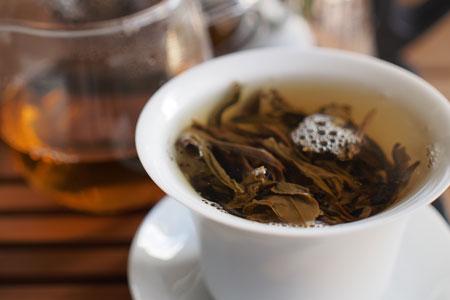 老班章古樹純料茶10年プーアル茶