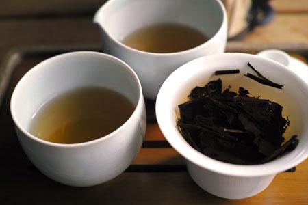 朝日黒茶・バタバタ茶