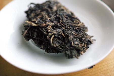 易昌號大漆樹圓茶04年プーアル茶