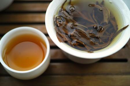 南糯山生態紅茶2013年