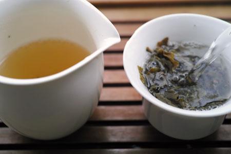 南糯蜜蘭青餅2013年プーアル茶