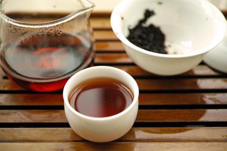孟庫戎氏宮廷小熟餅05年プーアル茶