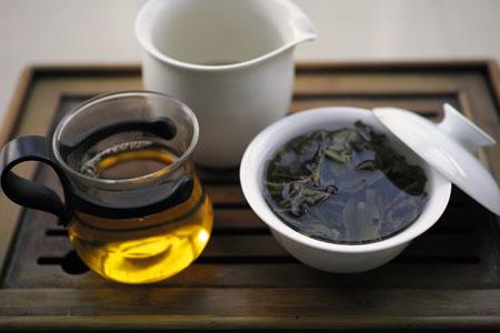 革登古樹青餅プーアル茶