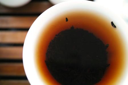 宮廷プーアル熟散茶05年プーアル茶