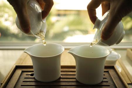 漫撒古樹青餅2013年・青印プーアル茶と武夷岩茶奇蘭烏龍茶