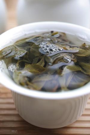 那力山ラフ族の春茶2014年と倚邦古樹春の散茶2014年