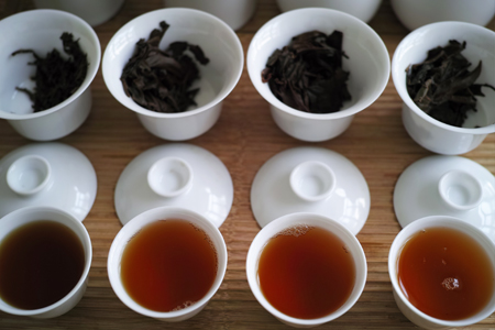 西双版納の紅茶飲み比べ