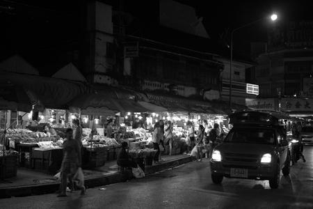 チェンマイ夜の市場