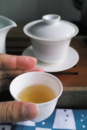 弯弓古樹青餅2014年・複樹プーアル茶
