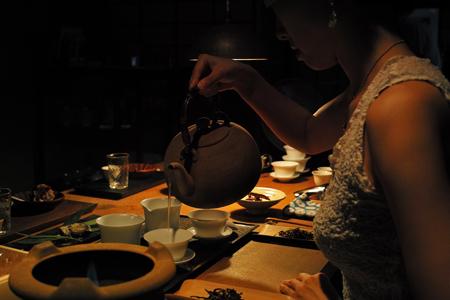 南糯山神青餅2011年プーアル茶